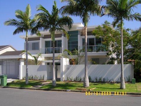 luxury-display-house-gold-coast