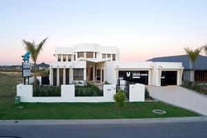 luxury builders